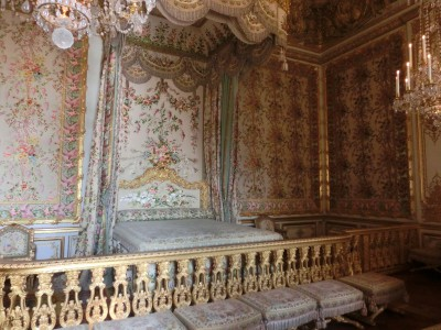 ヴェルサイユ宮殿 ベッド