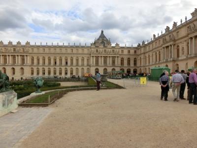 ヴェルサイユ宮殿 庭園入口1