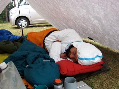 タイベック防護服で寝る