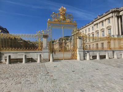 ヴェルサイユ宮殿 門