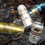 川で冷やすビール